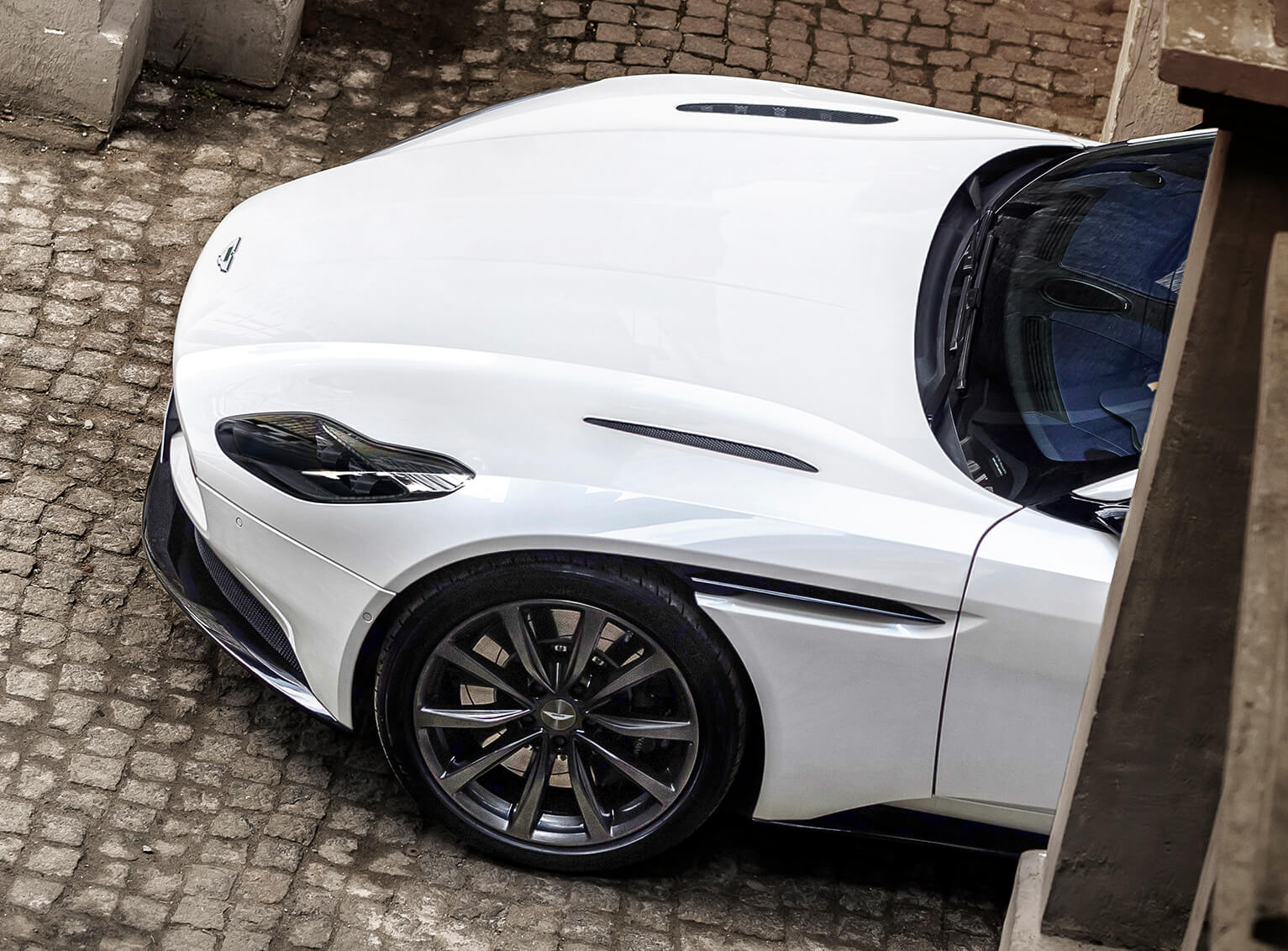 V8-Powered_DB11_12_4229.jpg