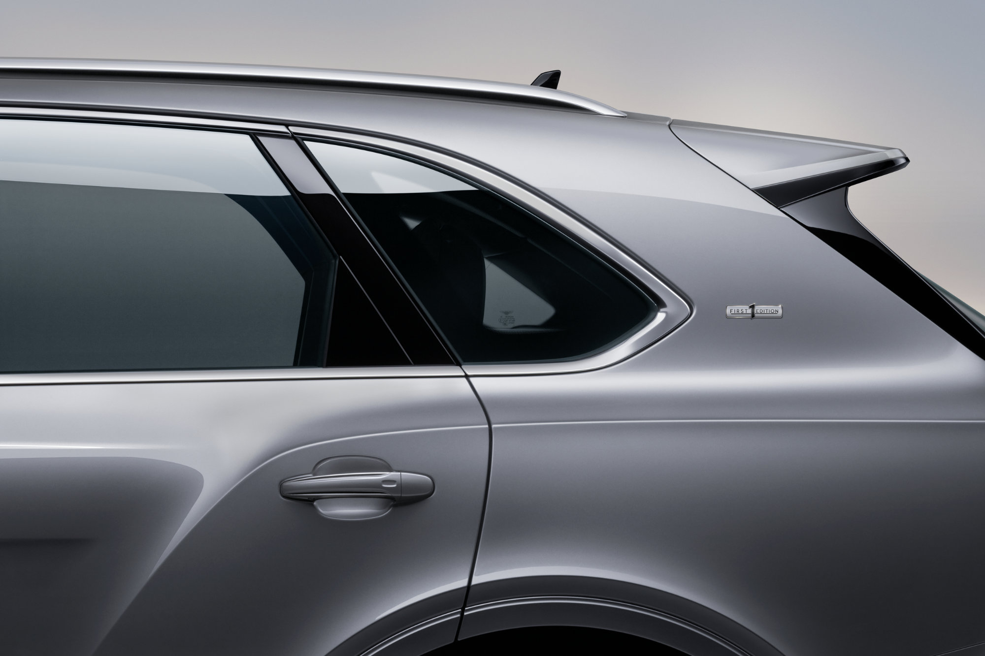 jpeg-Imagery_Bentayga V8_21MY_New Bentayga V8 21MY Studio Window Surround Right Side Silhouette  3.jpg